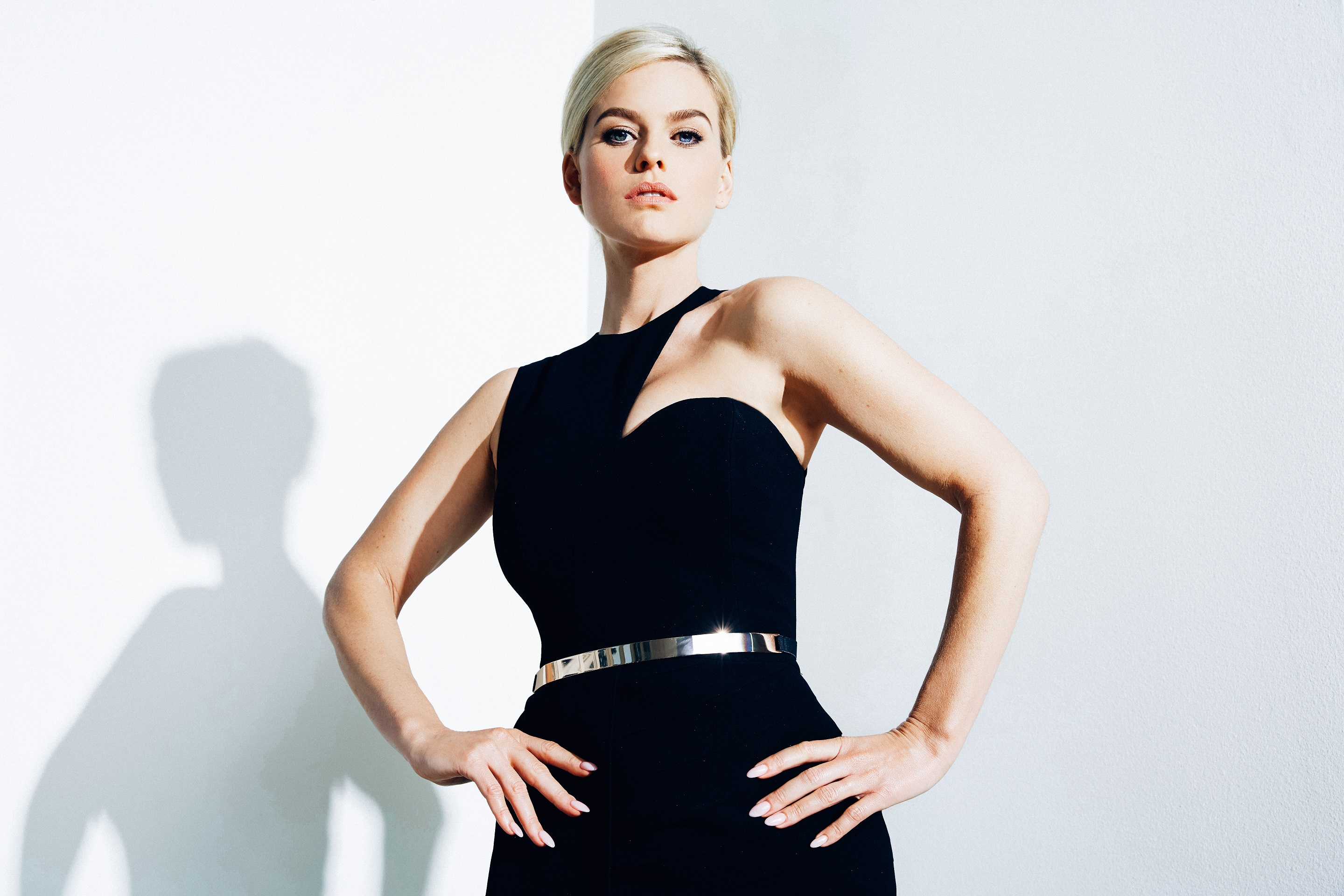 Alice Eve : WALLPAPERS For Everyone