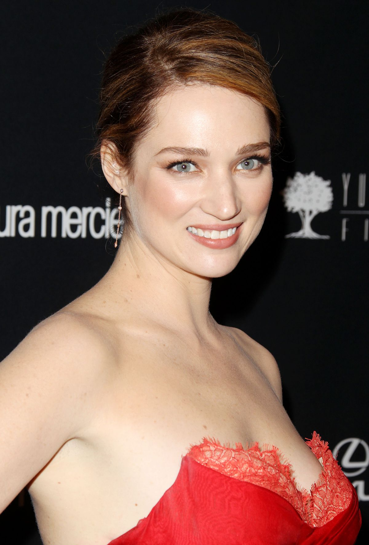 Kristen Connolly : WALLPAPERS For Everyone