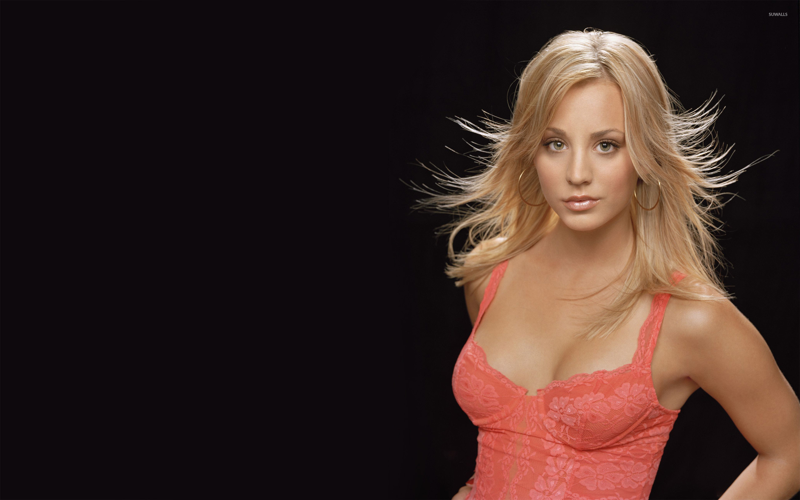 Kaley Cuoco : WALLPAPERS For Everyone